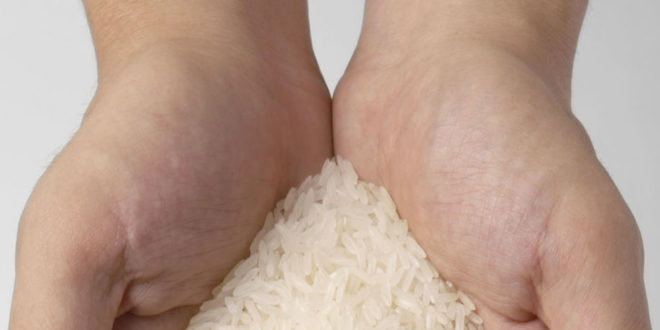 puñado de arroz